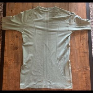 Lulu Lemon Swiftly Tech Long Sleeve